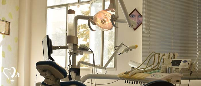 کلینیک دندانپزشکی دکتر سجودی - یونیت حامل وسایل وسایل تراش