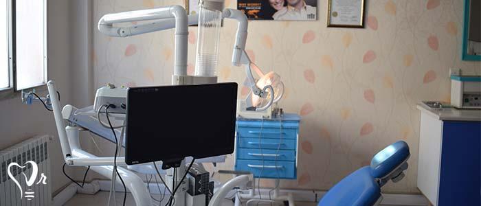 بهترین دندانپزشک در غرب تهران - استفاده از به روز ترین تجهیزات و وسایل مدرن
