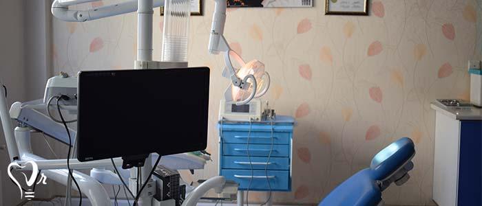 کلینیک تخصصی ایمپلنت - تصویر سه بعدی از دهان و برنامه ریزی دیجیتالی