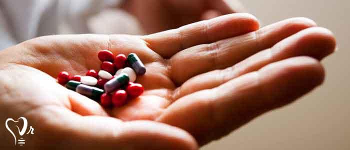 تأثیر بتا بلاکر و داروهای سوزش معده  روی درمان ایمپلنت -  سالخوردگان