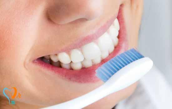 نقش بهداشت دهان در طول عمر ایمپلنت دندانی