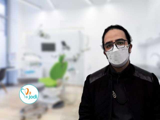 فیلم رضایتمندی جناب آقای آرین رضایی بیمار ایمپلنت و روکش دندان