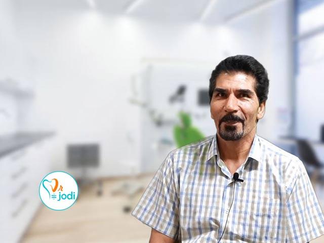 فیلم رضایتمندی جناب آقای دکتر محمدی بیمار کاشت دندان لیزری فوری
