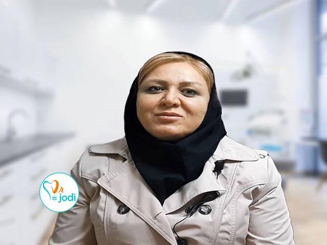 فیلم رضایتمندی سرکار خانم نسرین سلدوزی بیمار ایمپلنت دندان