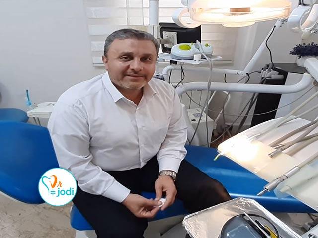 فیلم رضایتمندی جناب آقای اکبری بیمار جراحی ایمپلنت دندان