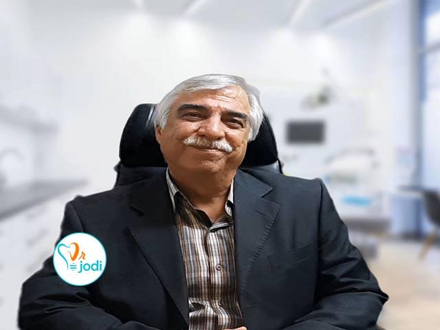 فیلم رضایتمندی جناب آقای سعادتیان بیمار ایمپلنت دندان